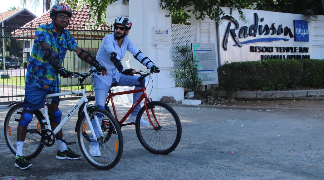 Tej and I prepare to cycle to the Shore Temple in Mahabalipuram